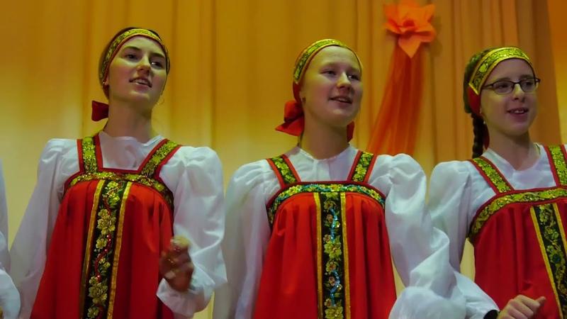 Сели девки на лужок - песни под баян - Ансамбль Ручеёк