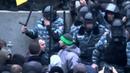 Жестокая Драка Евромайдан Киев Оппозиция против Беркута Fight Euromaydan Kiev