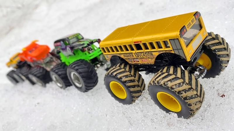 Хот Вилс Монстр Трак Гоняют по Снегу Веселые Игрушки
