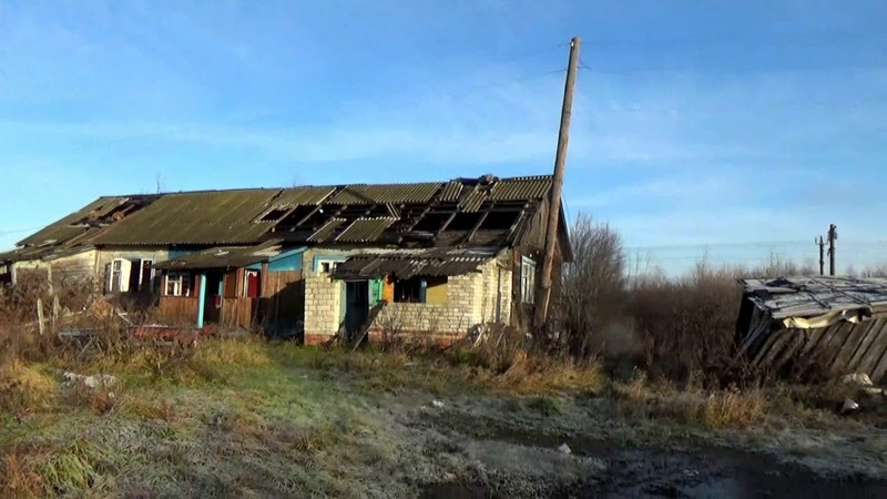 Полуразрушенные дома на окраине Нововязников