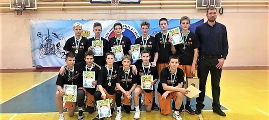 Первенство Свердловской области по баскетболу-2006 выиграли подопечные экс-игрока «Старого соболя» —