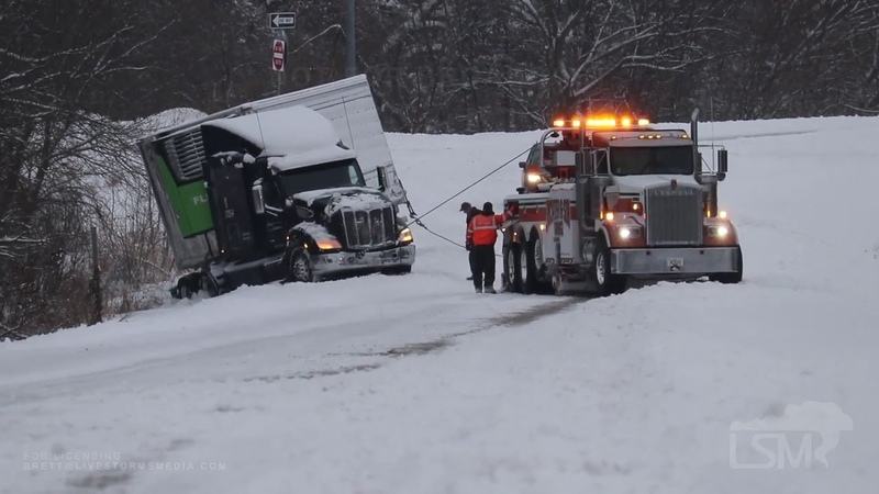 12 29 2020 Des Moines IA Truck Nearly Hits State Trooper Vehicle on I80 Jackknifed Semis Slid