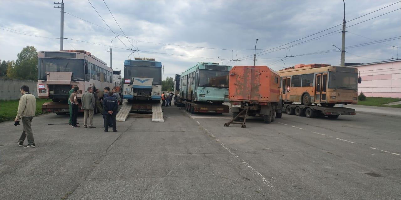 «Зачем нам этот хлам?»: Новосибирцы в шоке от подаренных троллейбусов из Твери